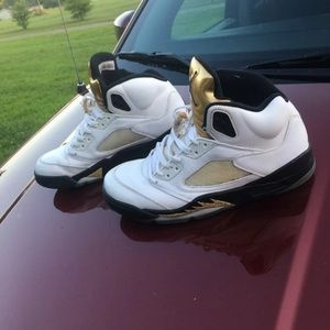 Men's Nike air Jordan retro 5s gold metal